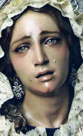 madre de Jesús llorando